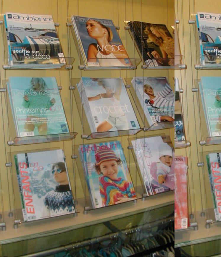 présentoir de catalogues