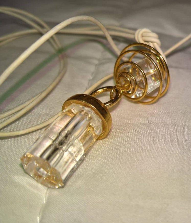 pendentif perles cristallines