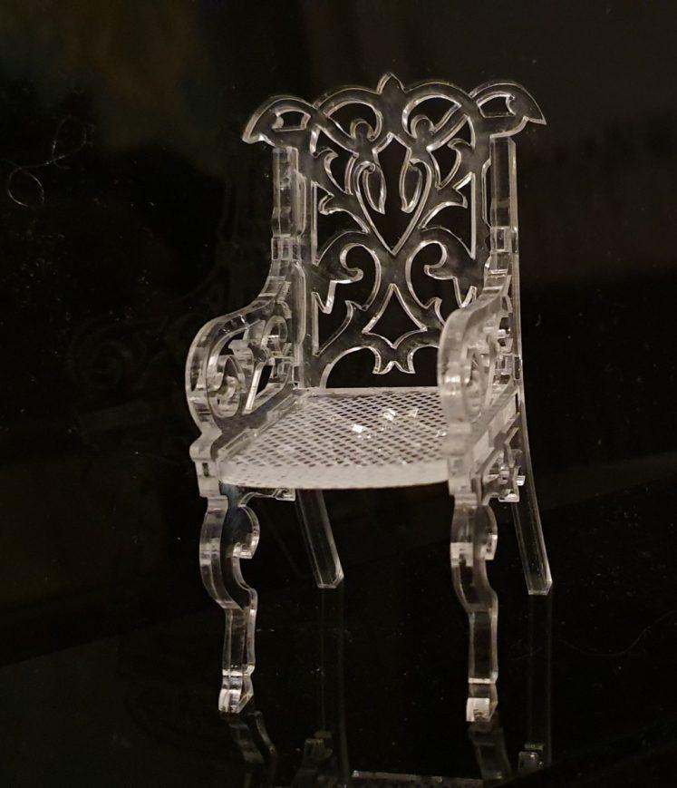 mobilier miniature, fauteuil