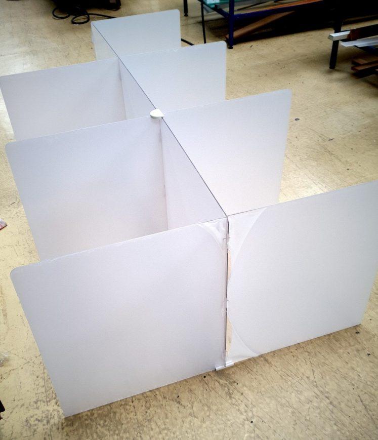 séparation table de réfectoire